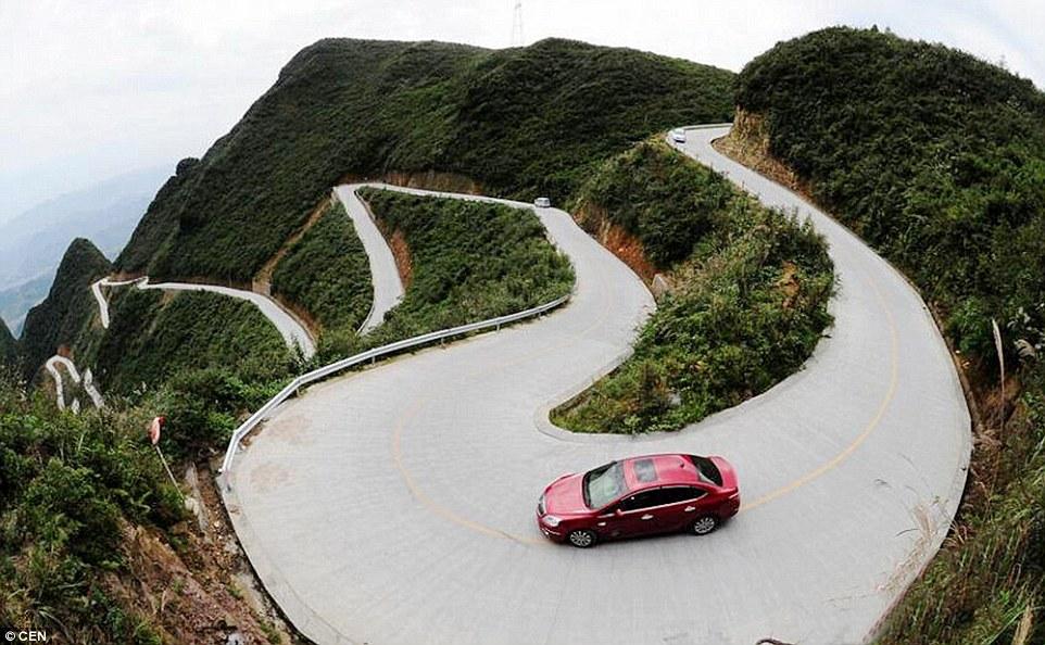 Dangerous Road 03