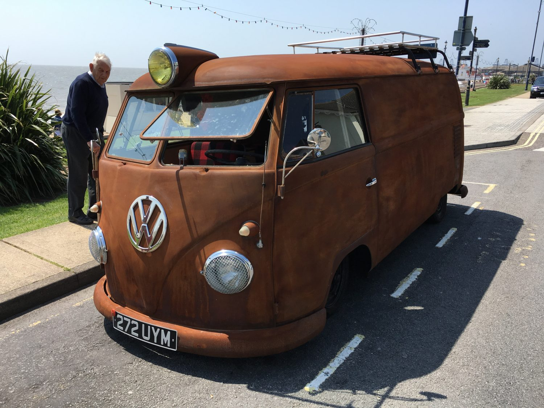 VW Splitscreen Camper - Felixstowe Beach Front