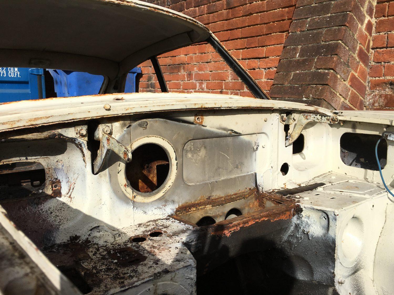 1968 MG BGT Stripped