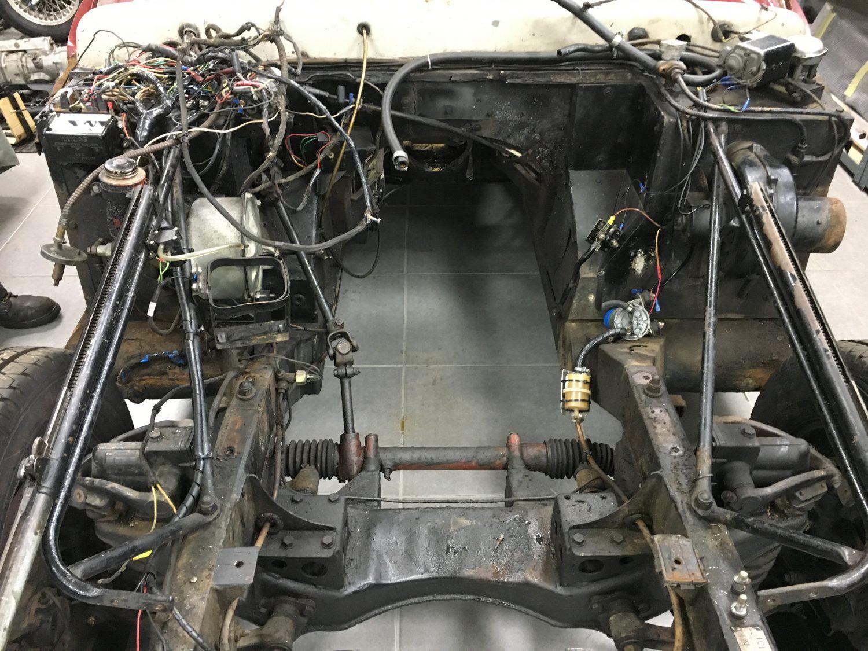 Jensen 541S Engine Removed
