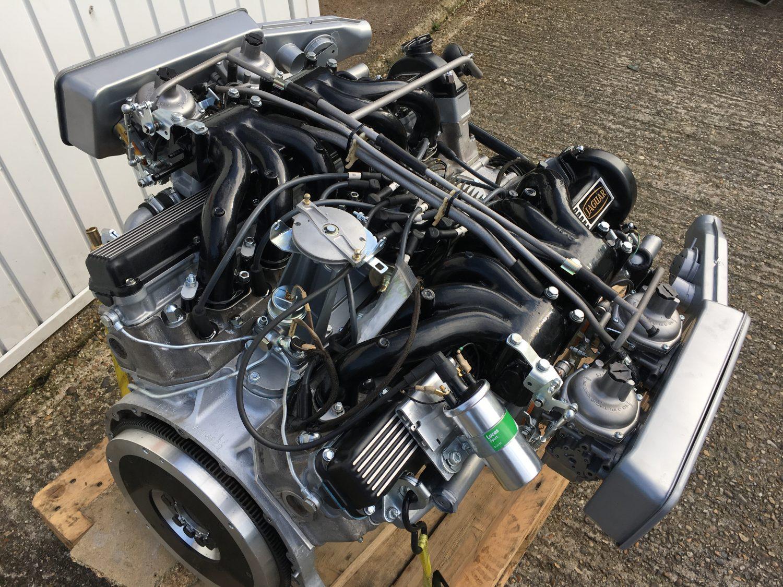 Jaguar E-Type V12 Engine and Gearbox arrives at Bridge ...