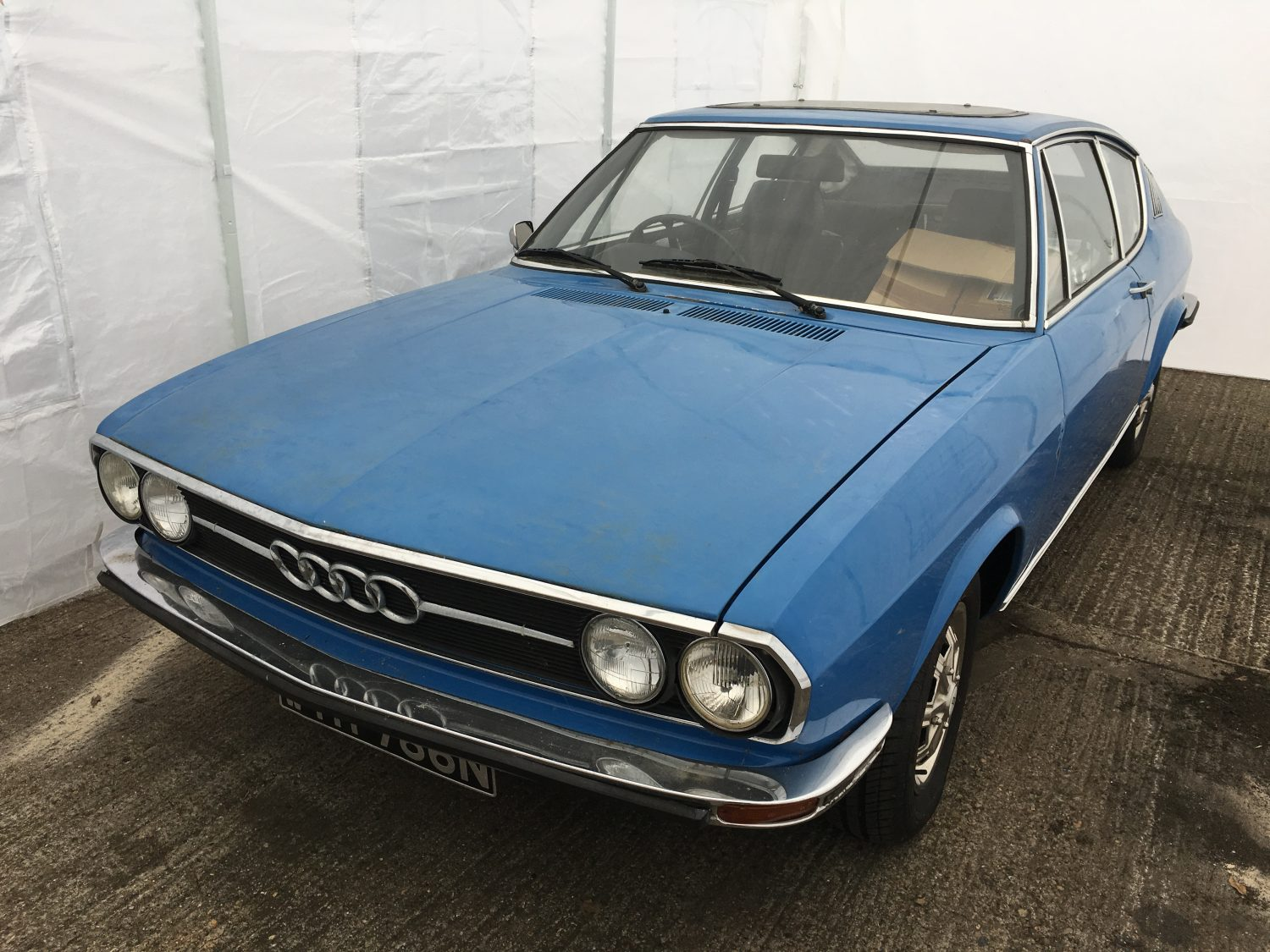 Audi 100 Coupe S Engine Running