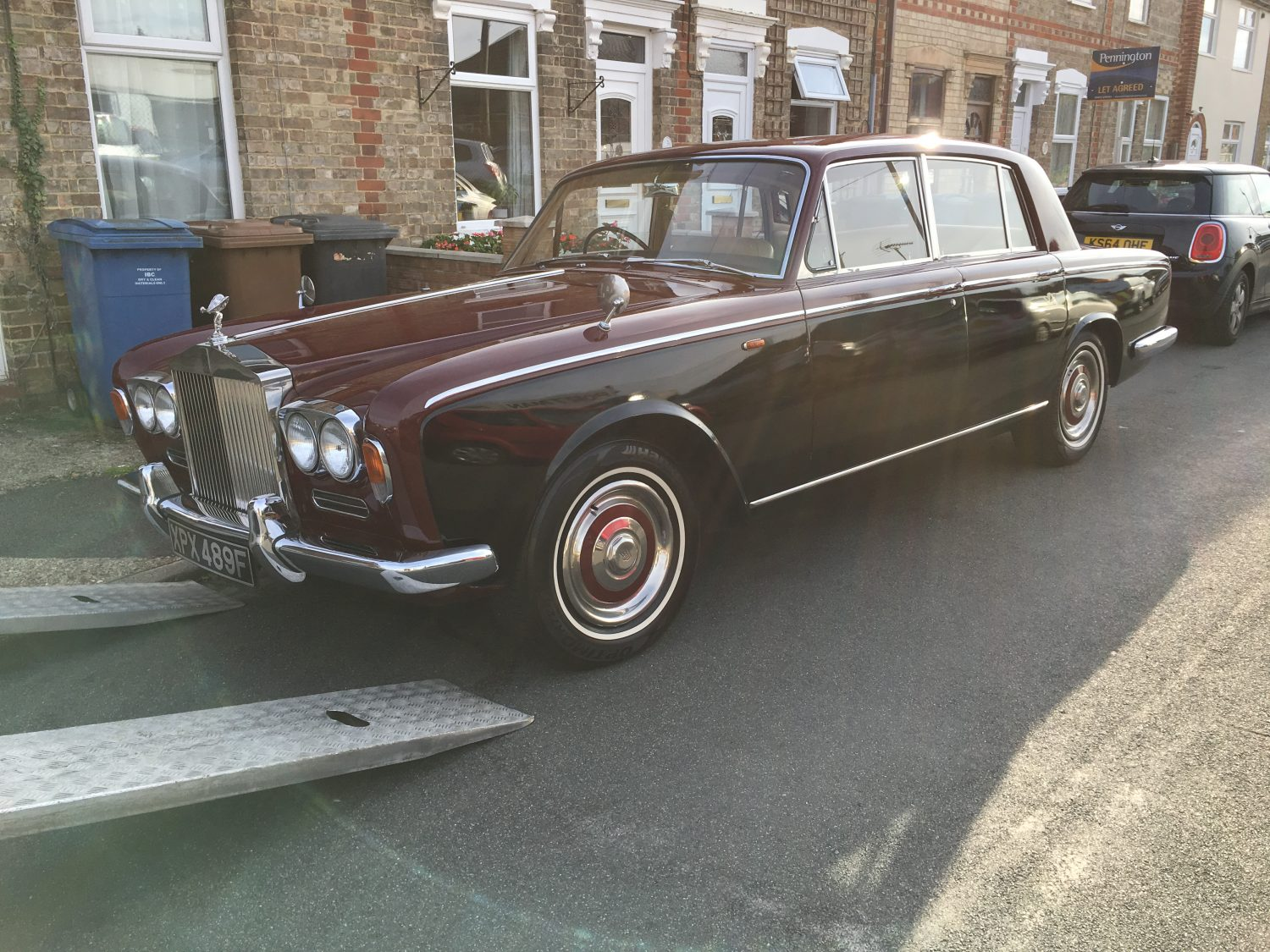 rolls royce silver shadow sold bridge classic cars. Black Bedroom Furniture Sets. Home Design Ideas