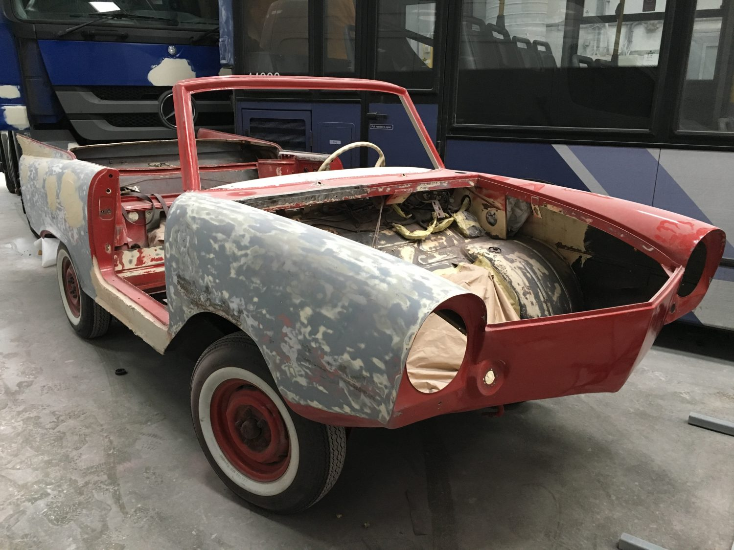 Preparing the body of our 1965 Amphicar