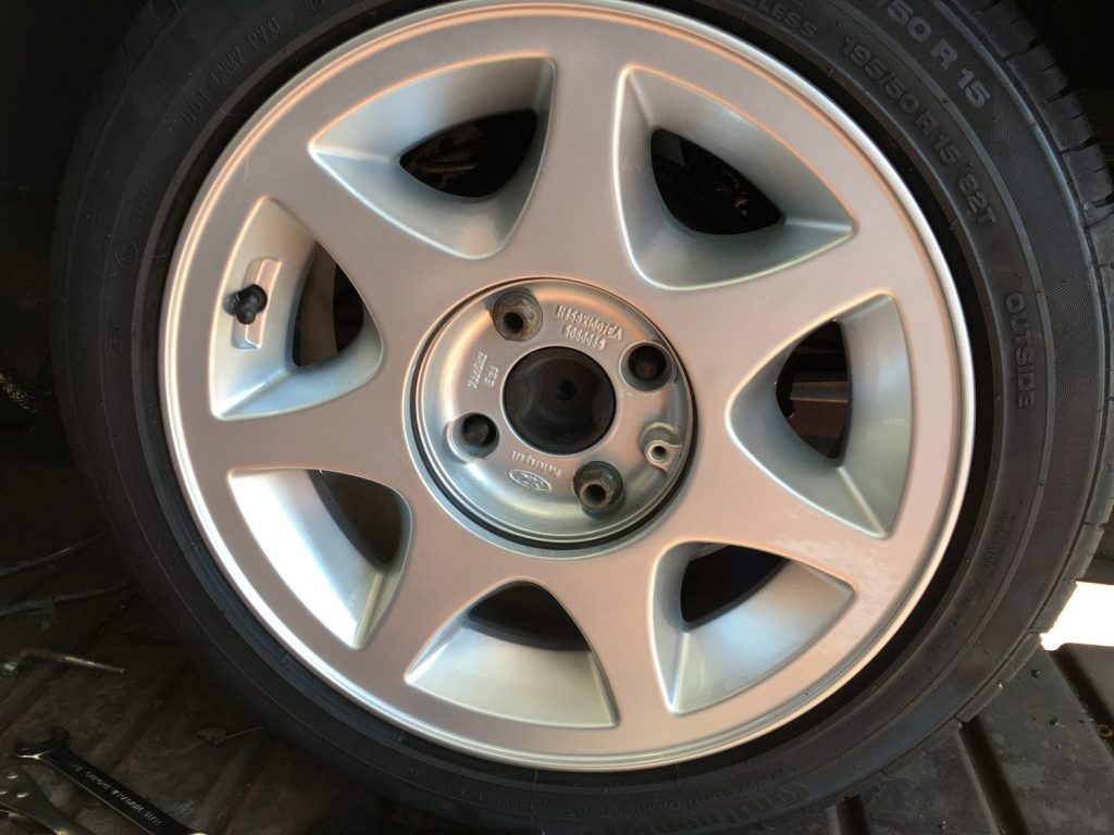 Refurbishing our Ford Capri wheels