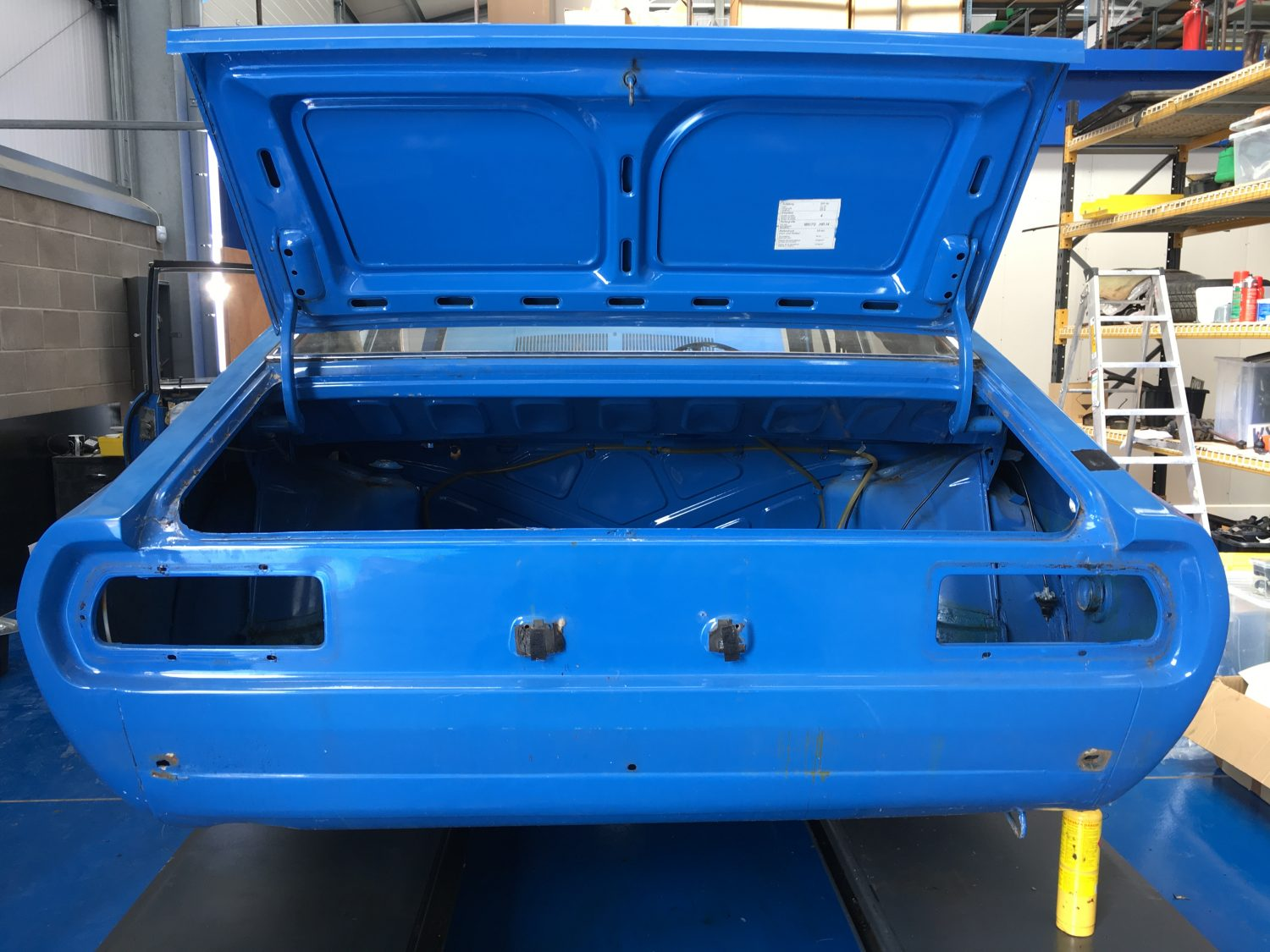 Stripping our Audi 100 Coupe