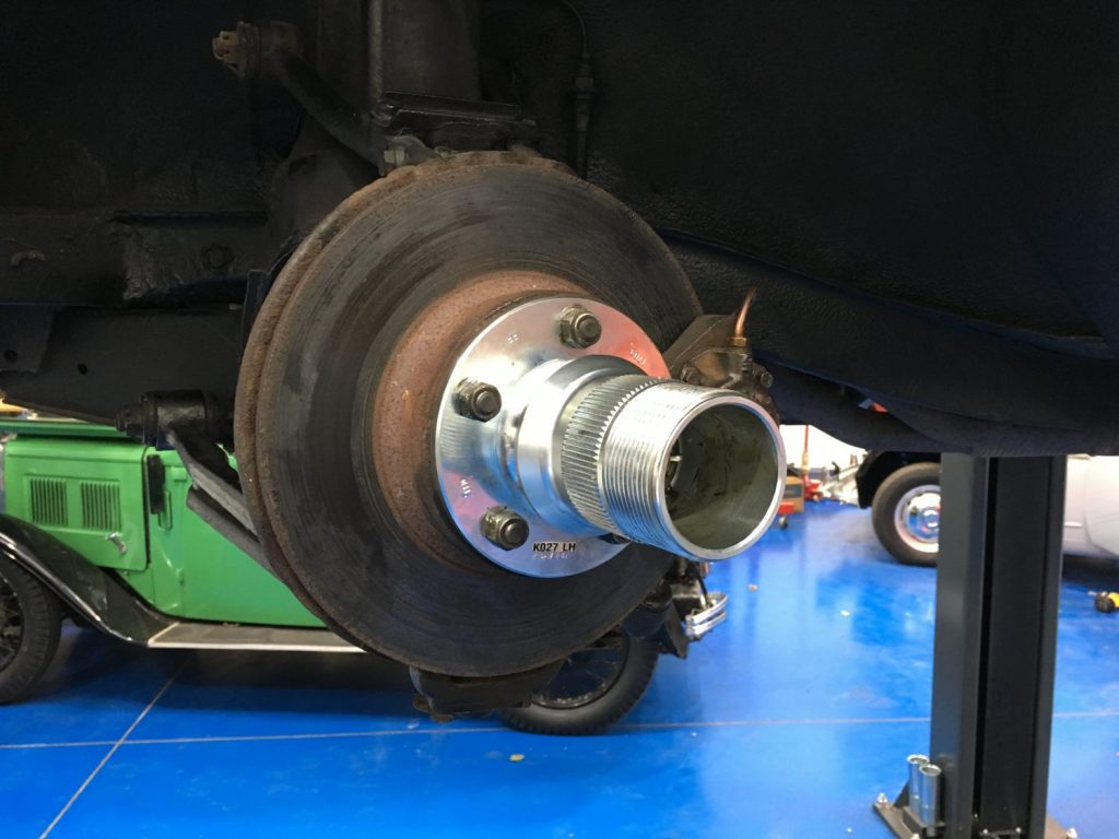 Fitting the new Jaguar 240 wheel hubs