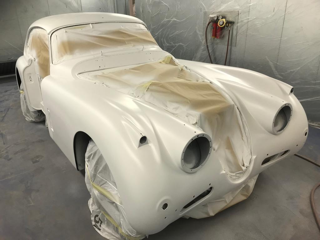 Jaguar XK150 in primer