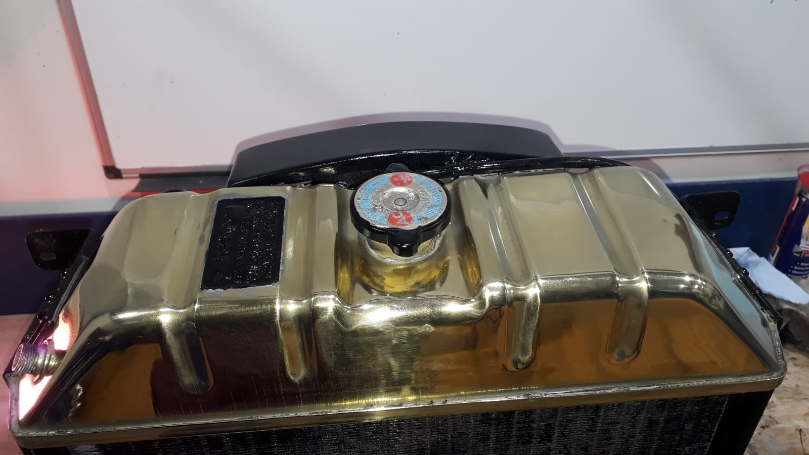 Polishing and Re-painting our Austin Healey Fuel Tank