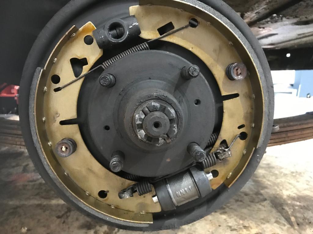 1977 MGBGT braking system