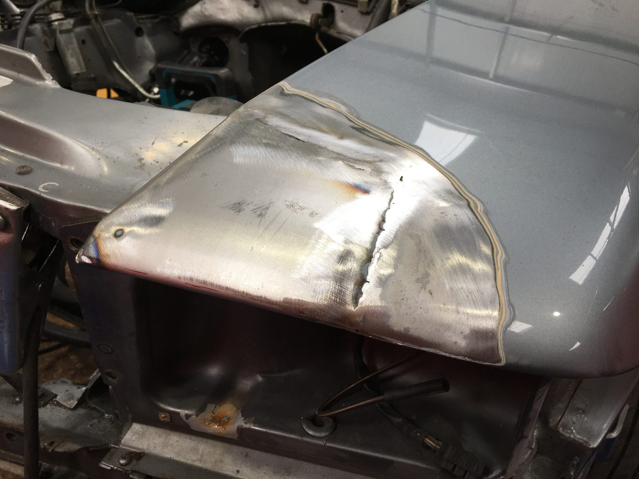 Welding complete on our 1987 Mercedes SL500