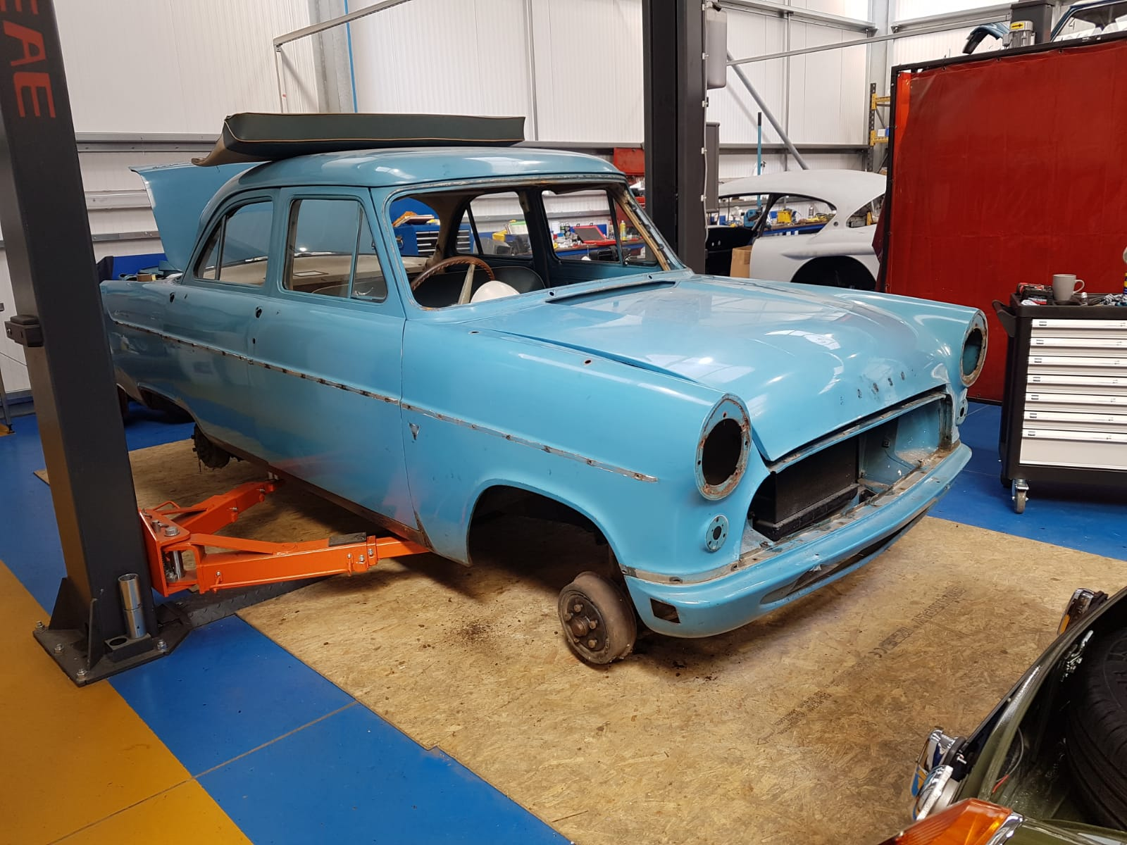 1956 Ford Consul: Strip down and body repair