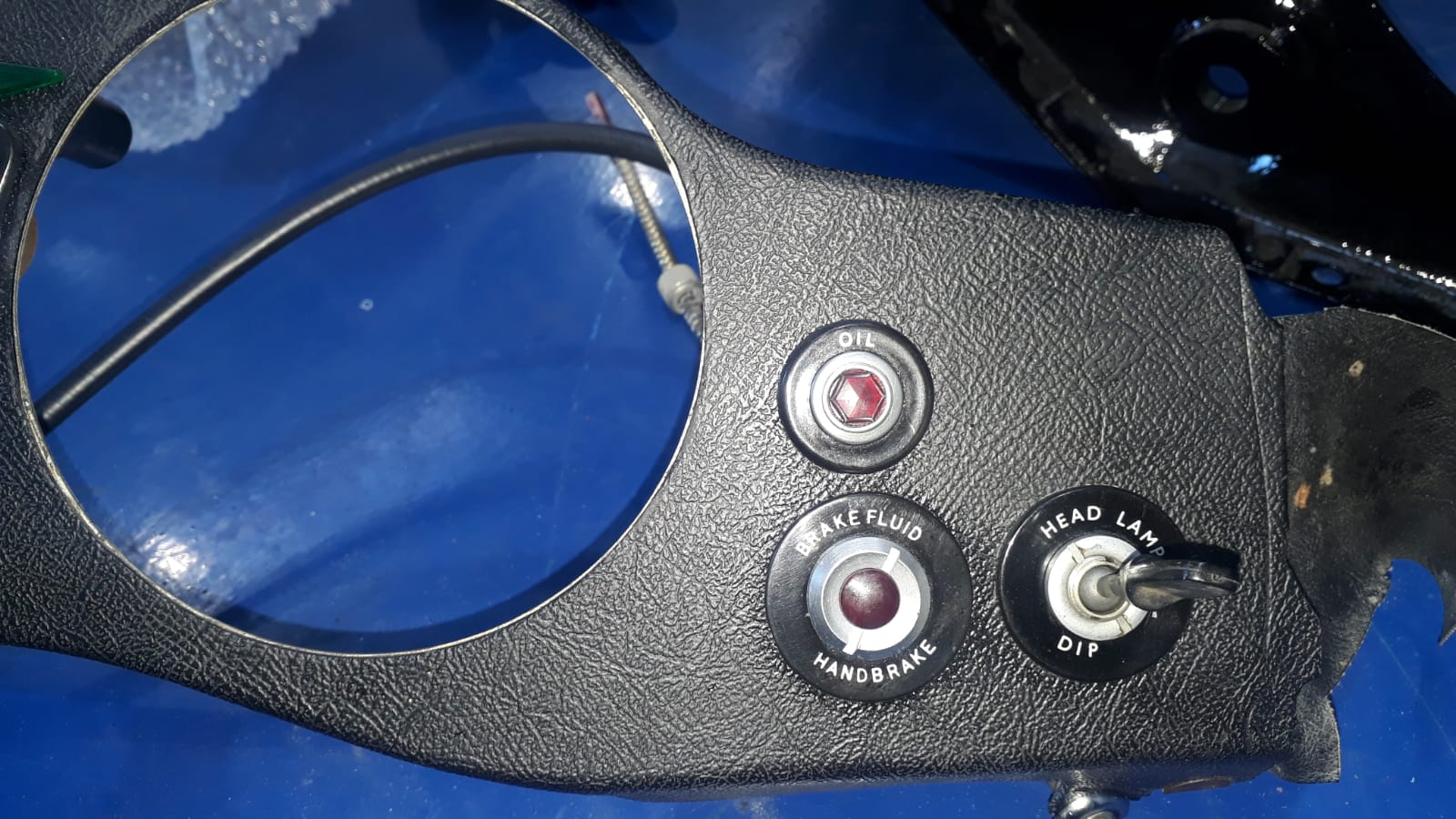 Refurbishing our E-Type dash
