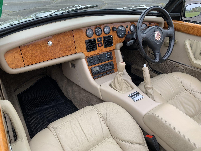1994 MGRV8