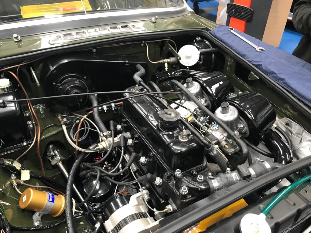 1975 MGB Roadster Engine Run Up