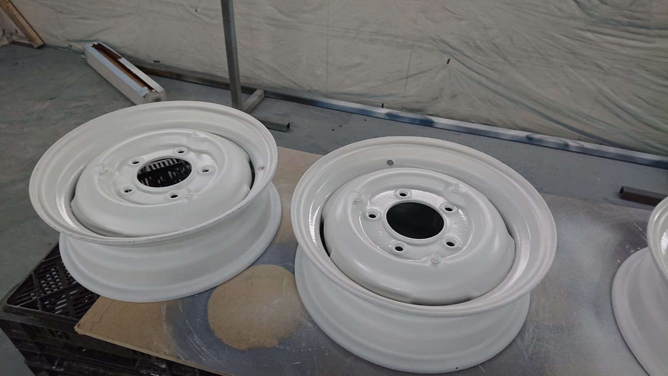 Morris J wheels primed