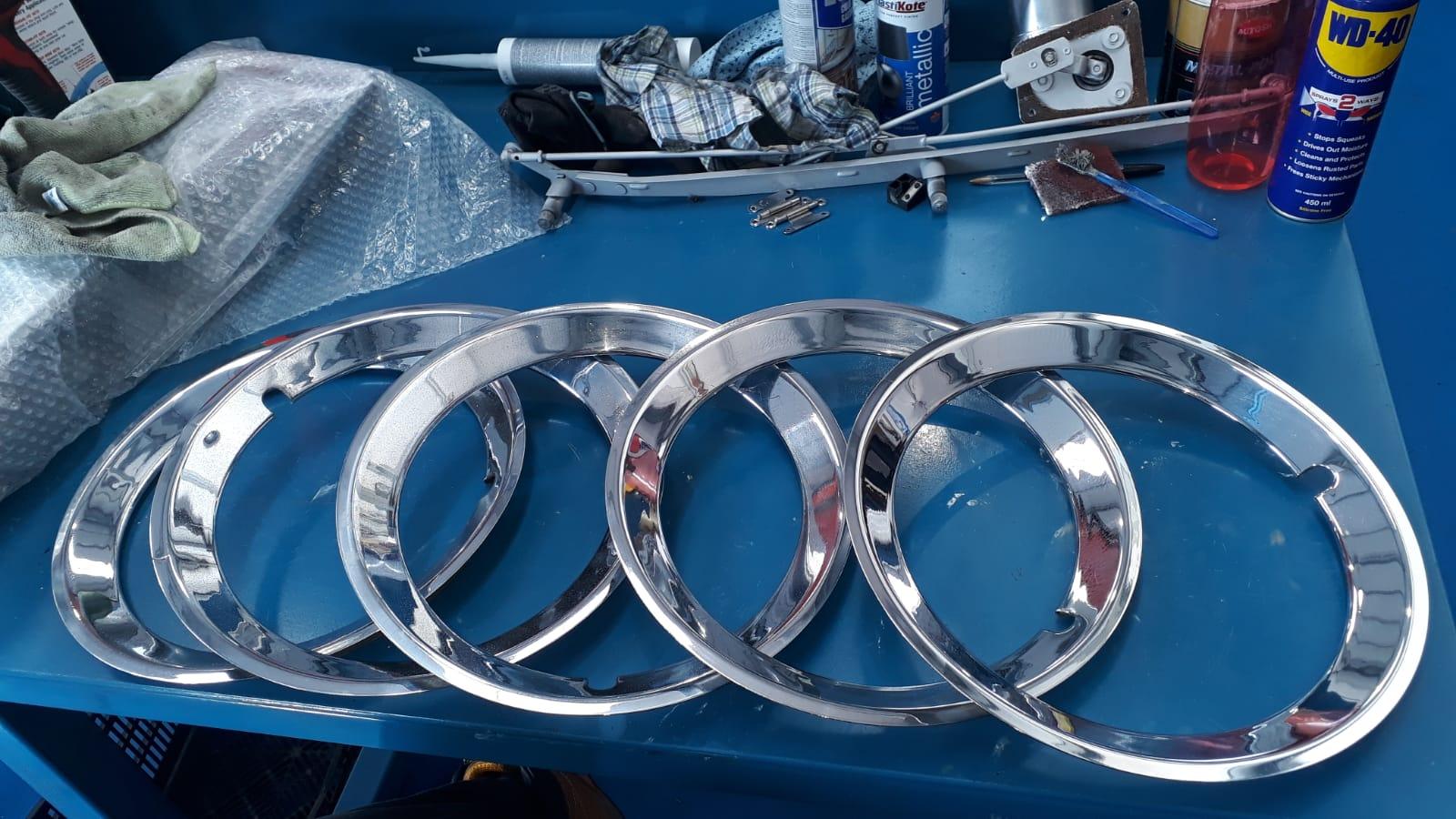 Polishing the Ford Consul Wheel Trims