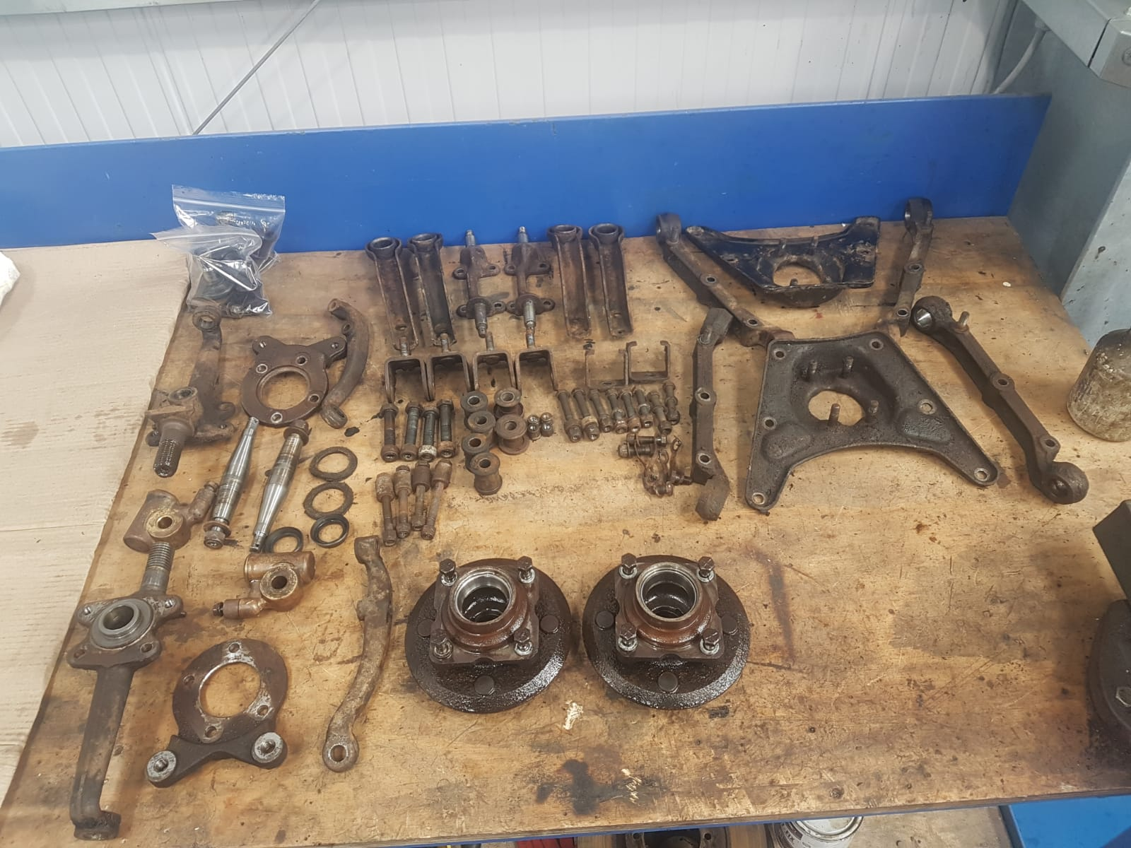 Sorting parts for Triumph TR6