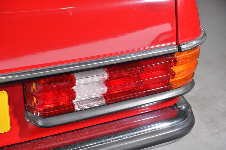 1983 Mercedes 200 W123