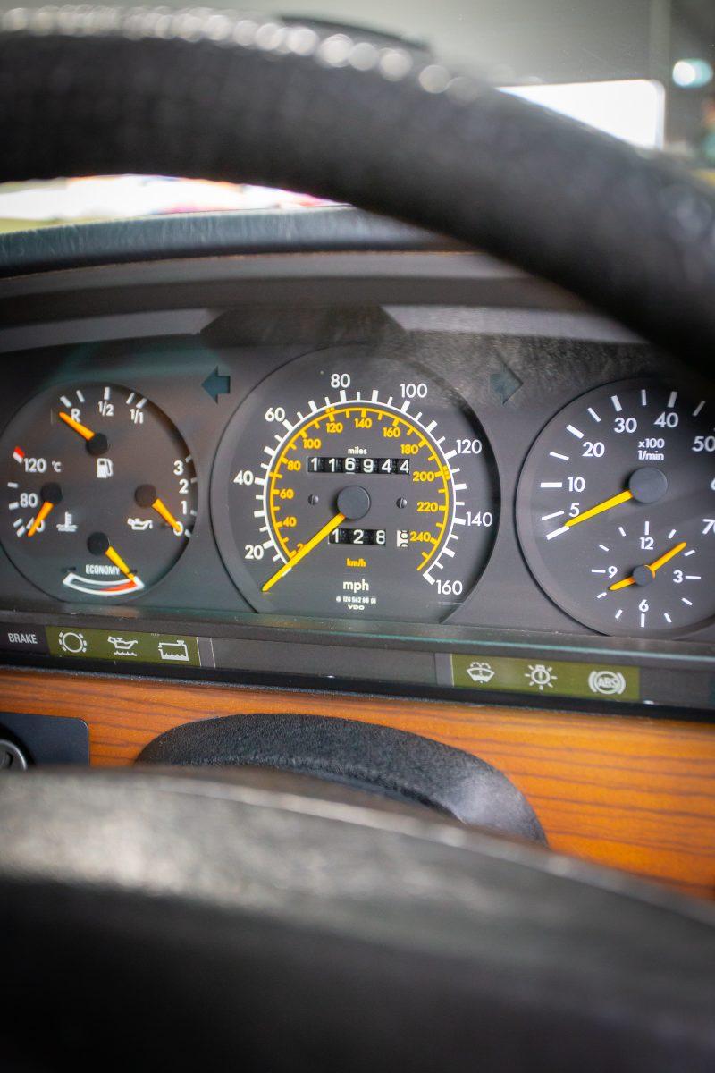 1988_Mercedes-benz_420_SE_Auto4012
