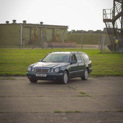 1997_Mercedes_Benz_e320_01