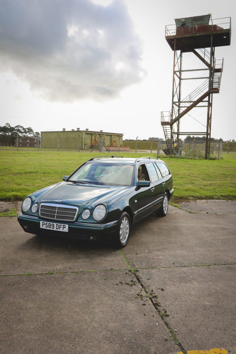 1997_Mercedes_Benz_e320_03