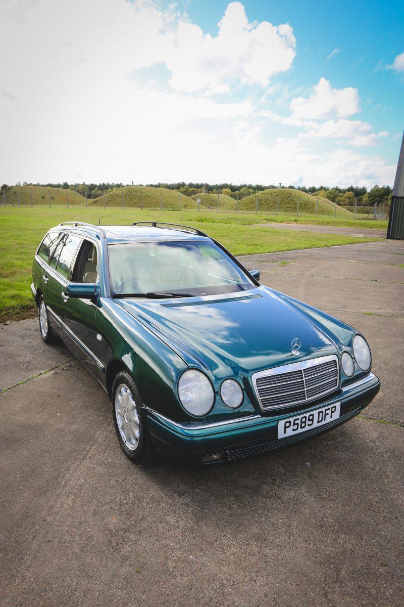 1997_Mercedes_Benz_e320_04
