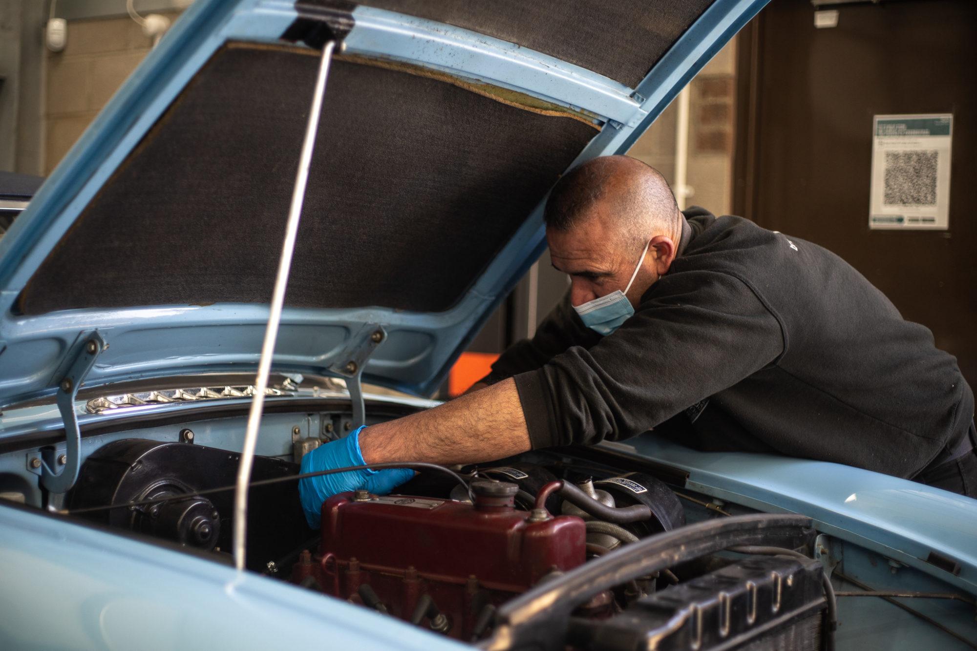 Our naked MG B - Bridge Classic Cars : Bridge Classic Cars